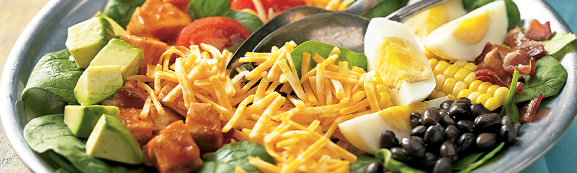 Salad with cheese blends
